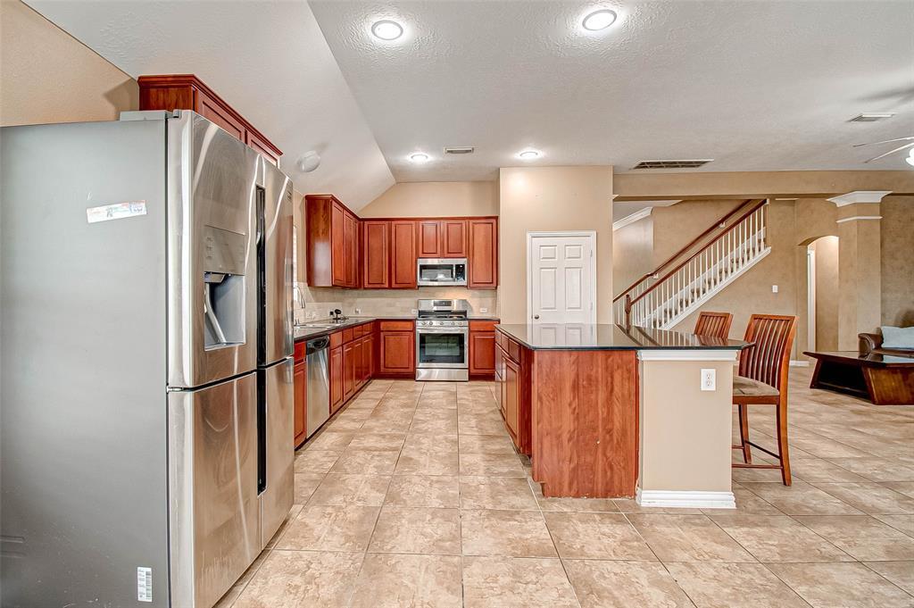 Pending | 2506 Monarch Terrace Drive Katy, Texas 77494 18