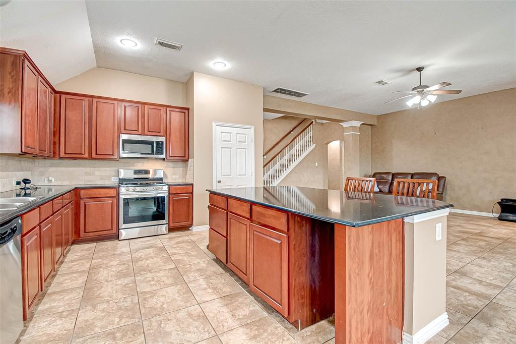 Pending | 2506 Monarch Terrace Drive Katy, Texas 77494 19