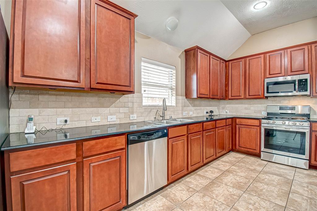 Pending | 2506 Monarch Terrace Drive Katy, Texas 77494 20