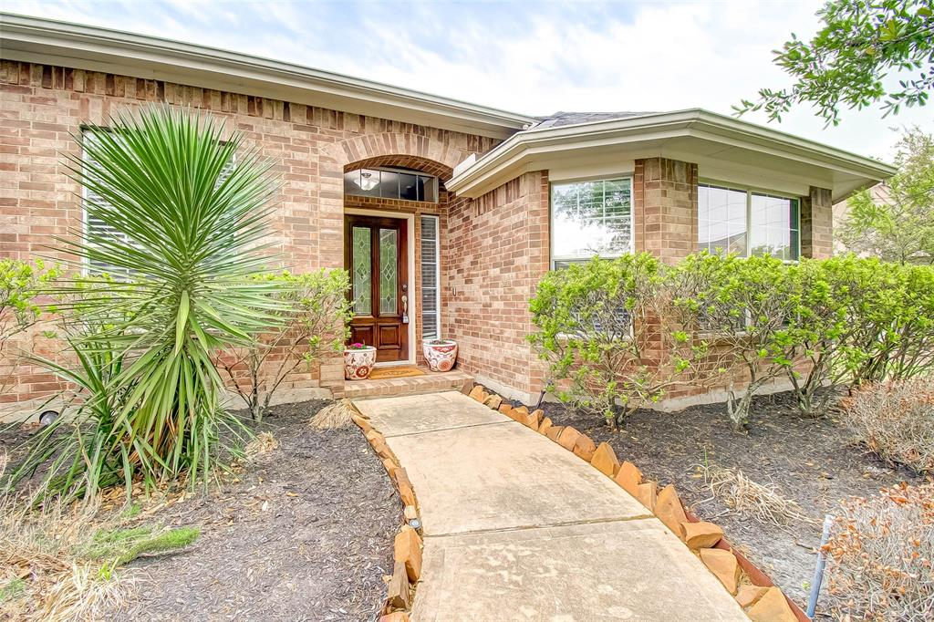 Pending | 2506 Monarch Terrace Drive Katy, Texas 77494 4