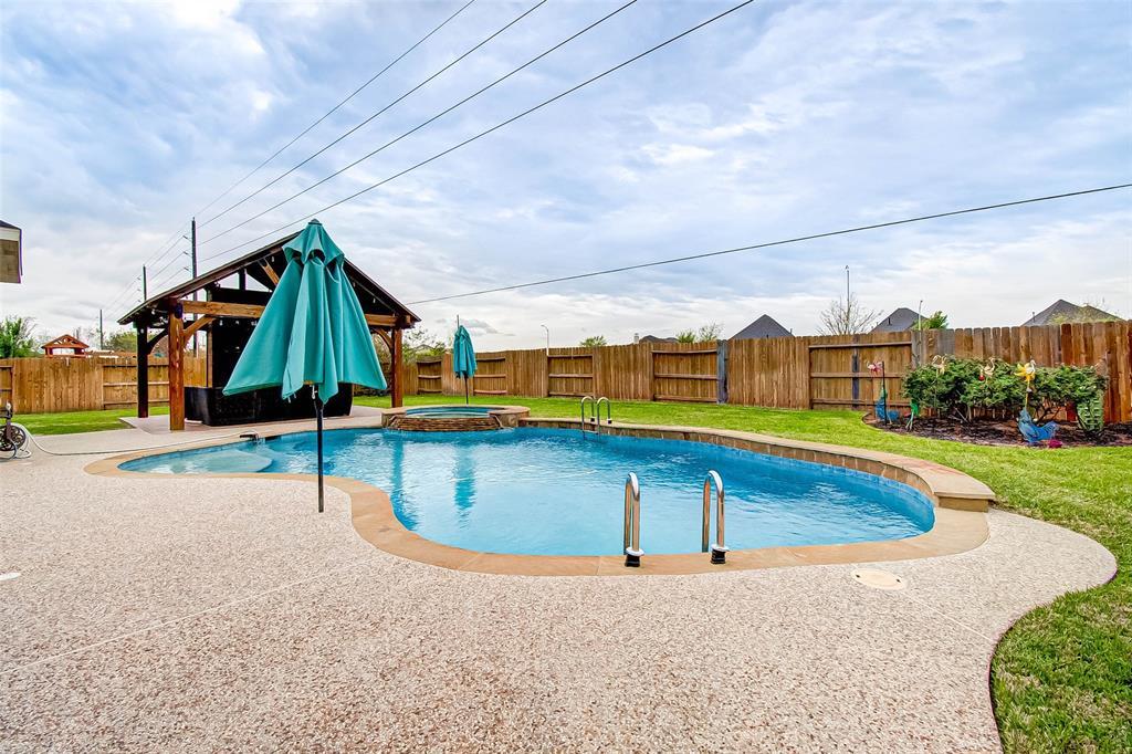 Pending | 2506 Monarch Terrace Drive Katy, Texas 77494 47