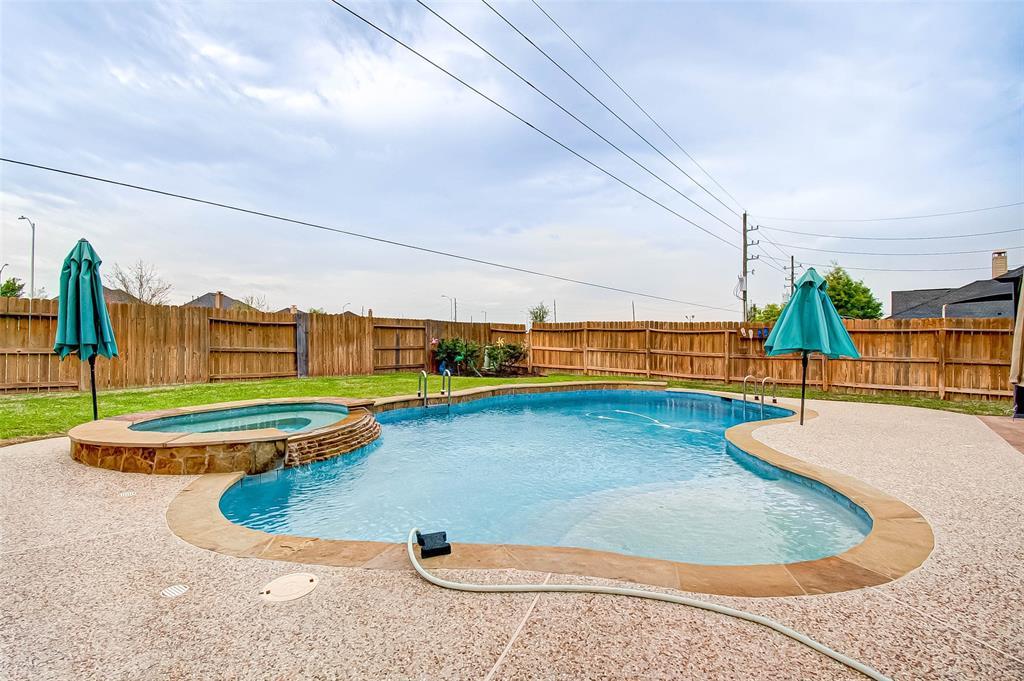Pending | 2506 Monarch Terrace Drive Katy, Texas 77494 48