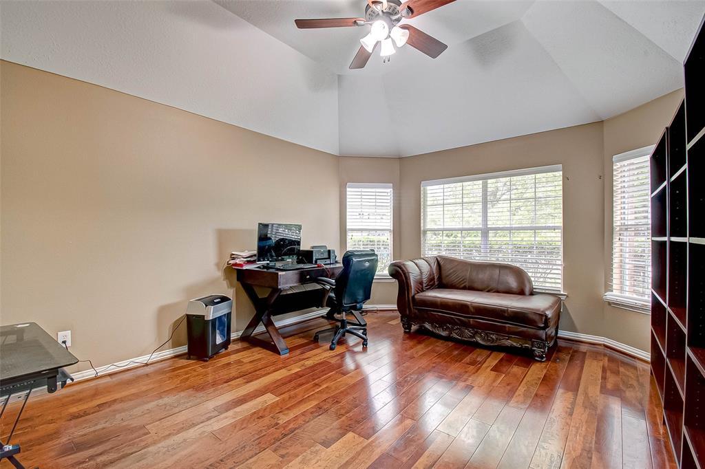 Pending | 2506 Monarch Terrace Drive Katy, Texas 77494 7