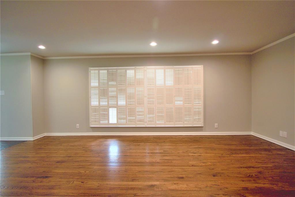 Sold Property | 2019 Ravinia Drive Arlington, Texas 76012 4