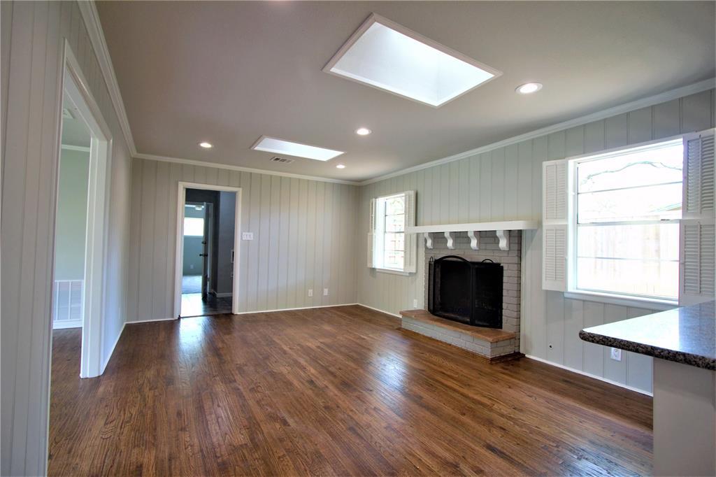 Sold Property | 2019 Ravinia Drive Arlington, Texas 76012 8
