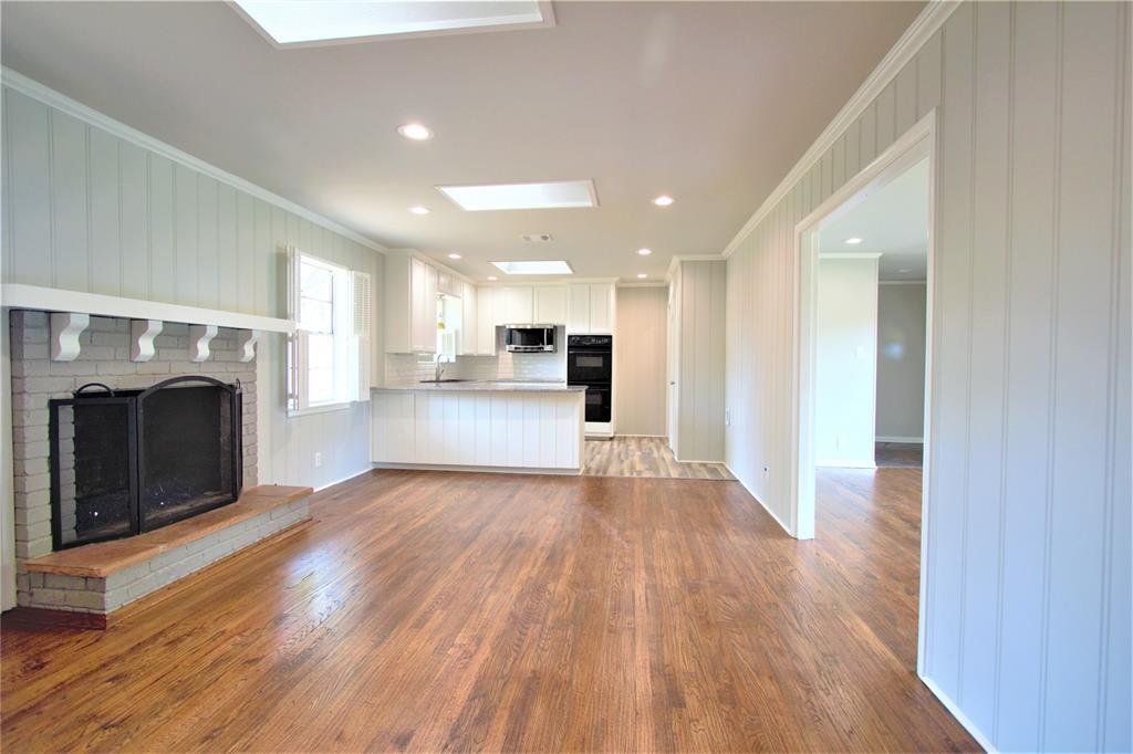 Sold Property | 2019 Ravinia Drive Arlington, Texas 76012 9