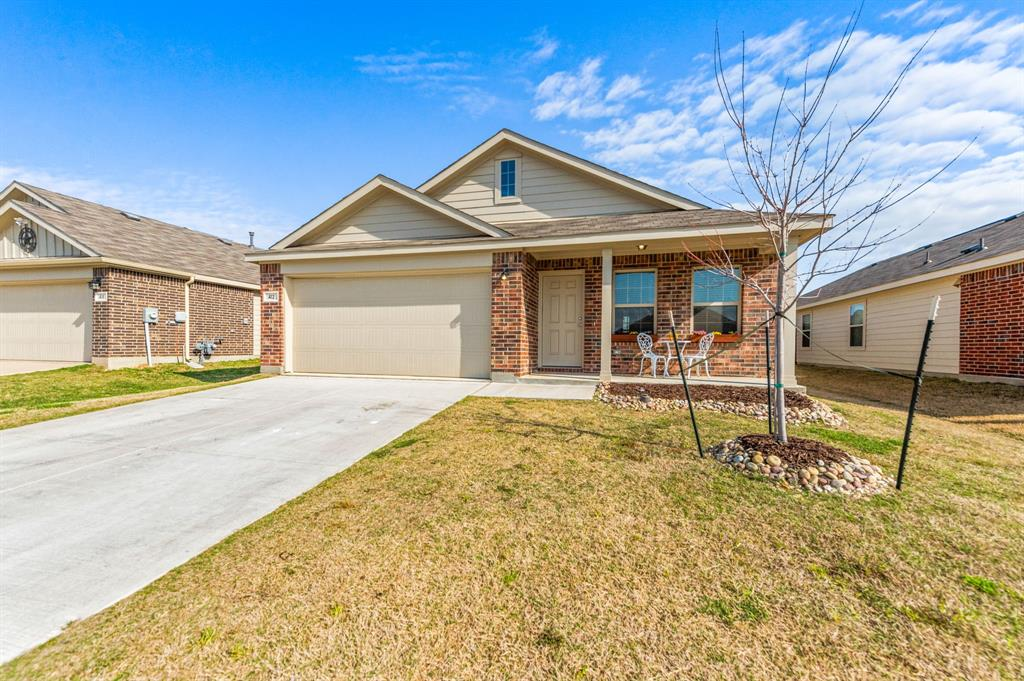 Active Option Contract | 412 Blue Crow Lane Fort Worth, Texas 76052 2