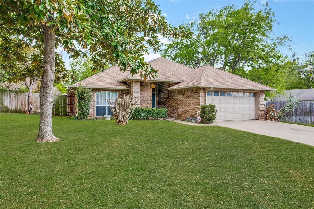 Active | 1305 Belvon Place Cleburne, Texas 76033 0