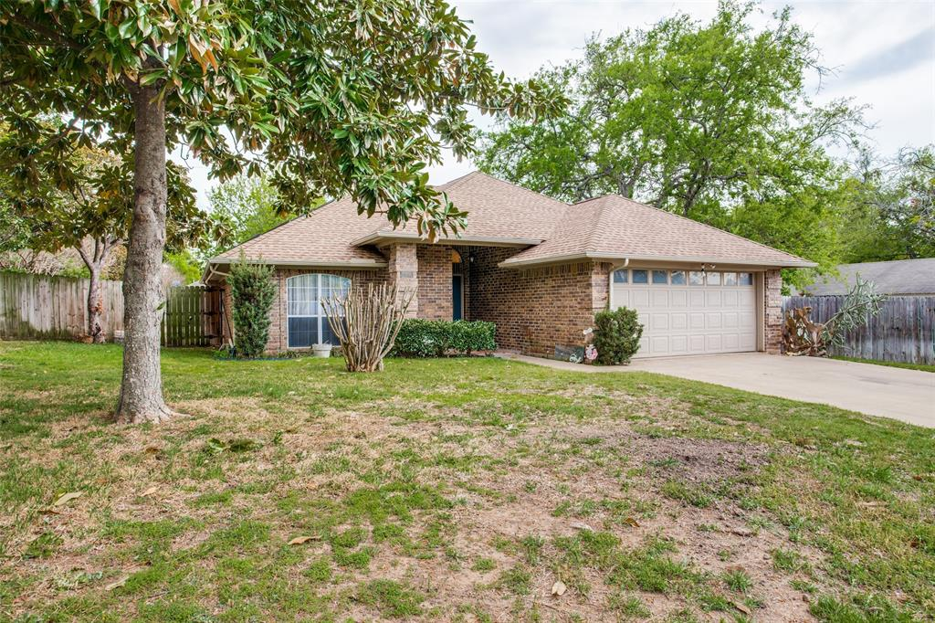 Active | 1305 Belvon Place Cleburne, Texas 76033 2