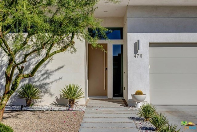 Closed | 4711 Jones Way Palm Springs, CA 92262 36