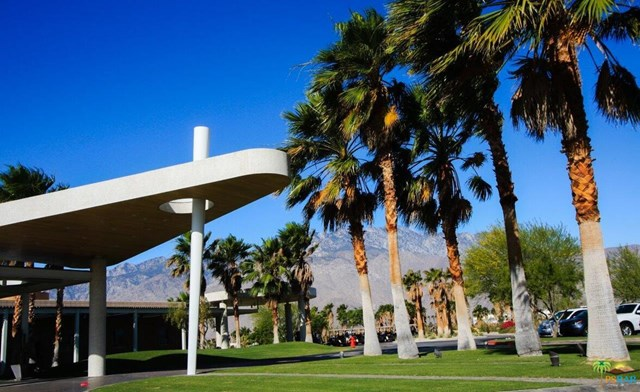 Closed | 4711 Jones Way Palm Springs, CA 92262 39