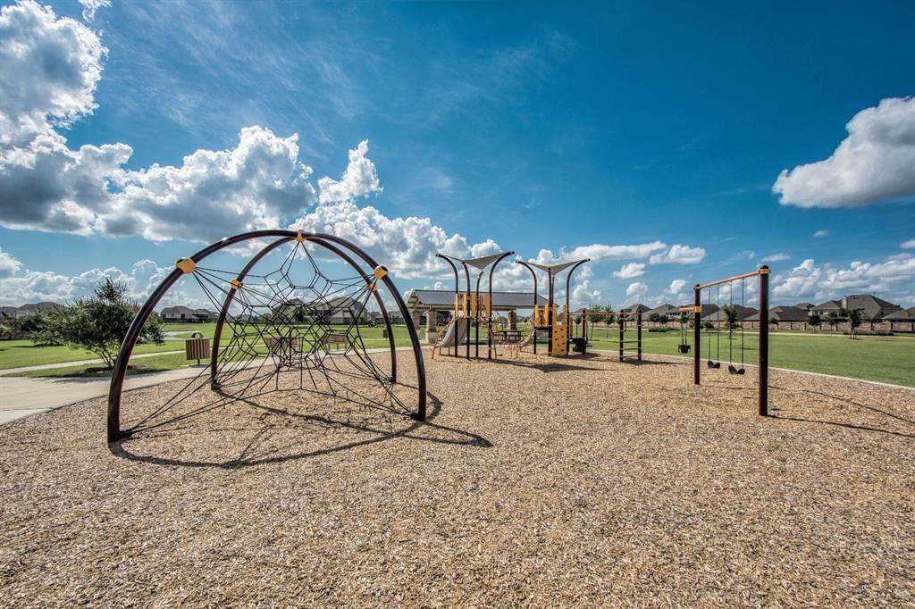 Active | 3211 Dovetail Colony League City, Texas 77573 31