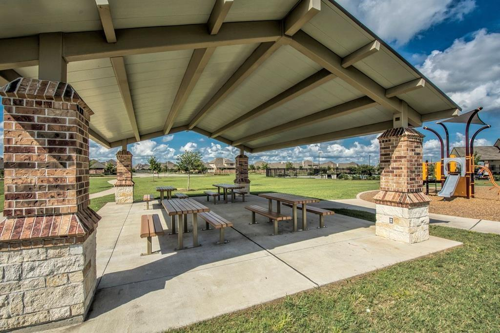 Active | 3211 Dovetail Colony League City, Texas 77573 32