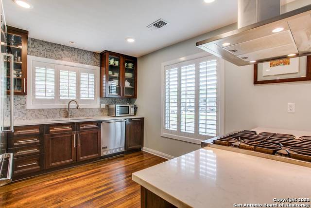 Pending | 116 W OAKVIEW PL Alamo Heights, TX 78209 12