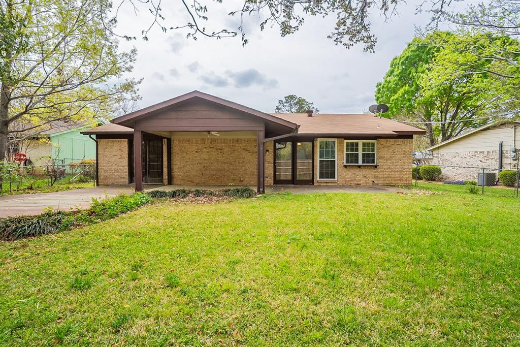 Pending   5113 Lester Drive Arlington, Texas 76016 6