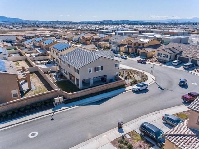 Pending | 1690 Brockton Lane Beaumont, CA 92223 4