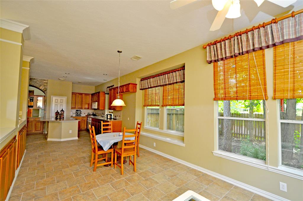 Off Market   106 Cezanne Woods The Woodlands, Texas 77382 15