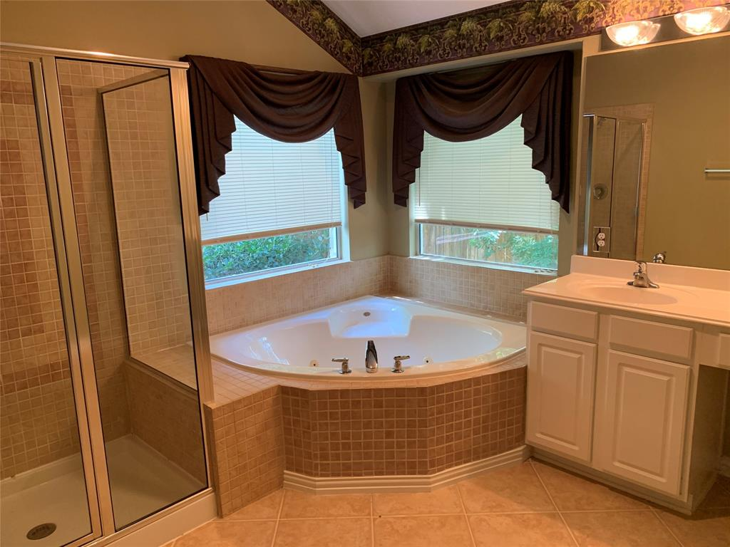 Off Market   106 Cezanne Woods The Woodlands, Texas 77382 20