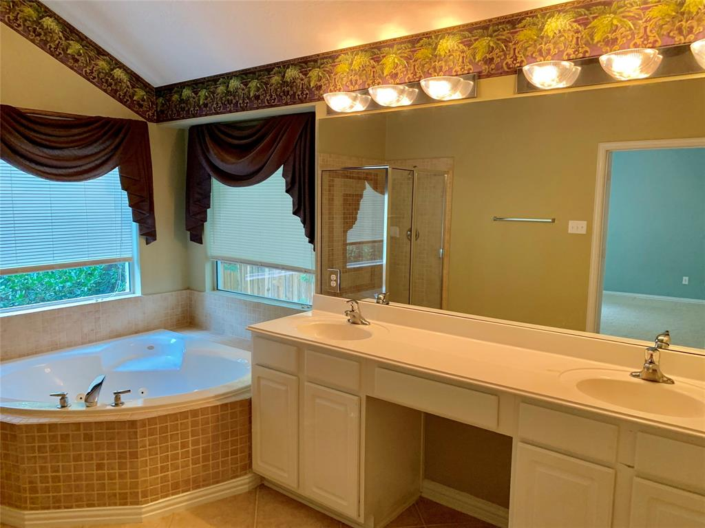 Off Market   106 Cezanne Woods The Woodlands, Texas 77382 21