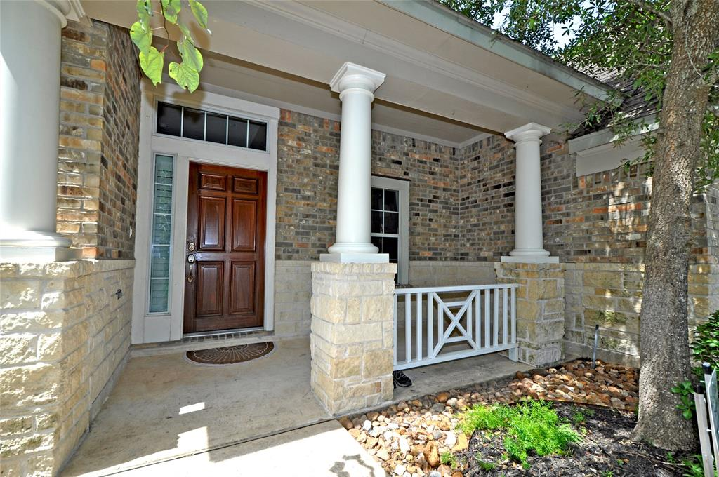 Off Market   106 Cezanne Woods The Woodlands, Texas 77382 2