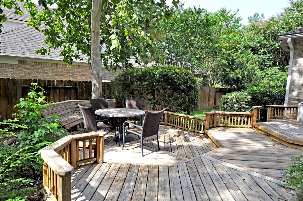 Off Market   106 Cezanne Woods The Woodlands, Texas 77382 34