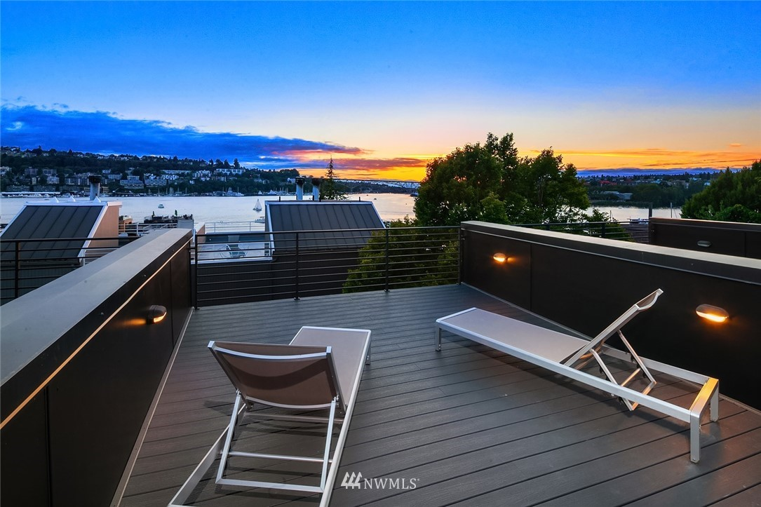 Pending | 2364 Franklin Avenue E #B Seattle, WA 98102 2