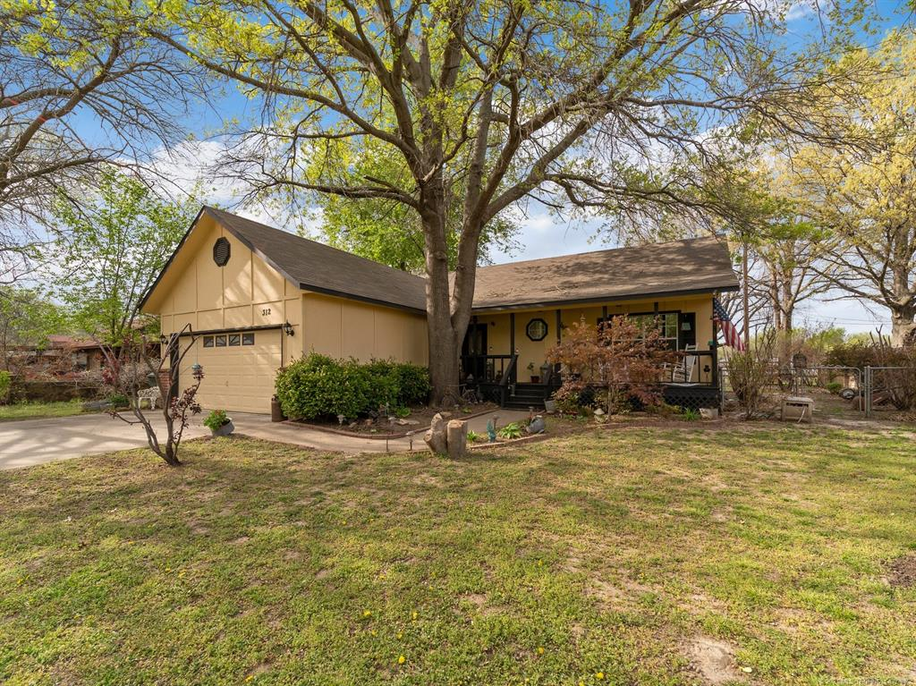 Off Market | 312 E Fry Terrace Claremore, Oklahoma 74017 1