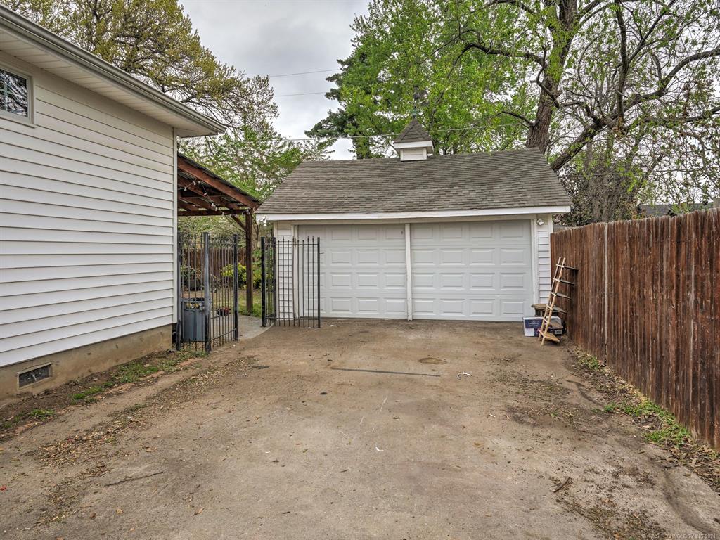 Active | 1031 E 36th Street Tulsa, Oklahoma 74105 35