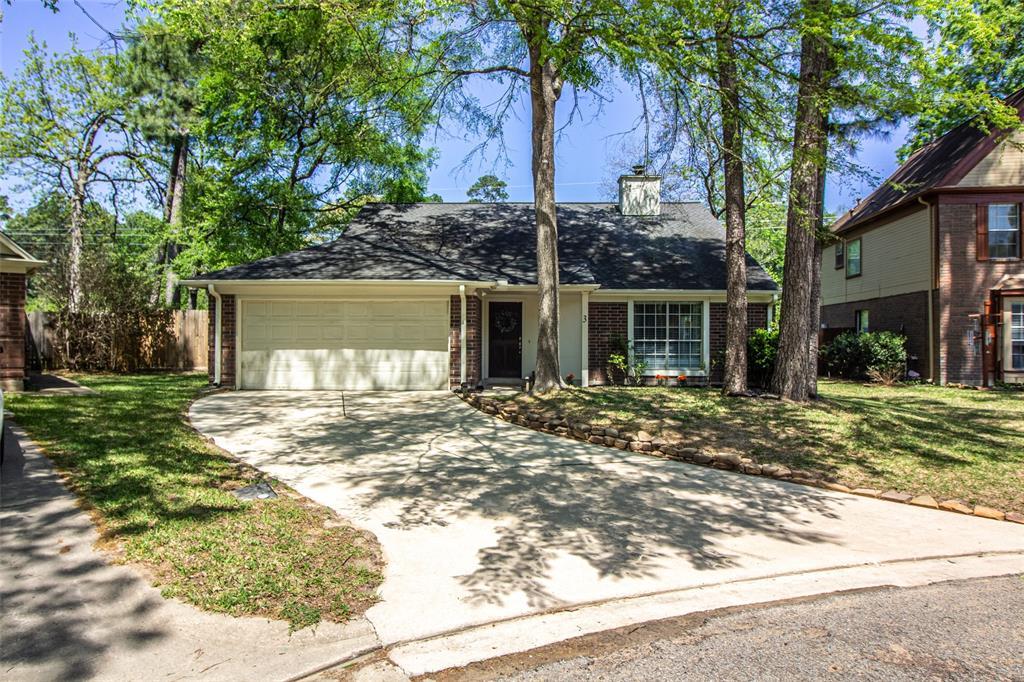 Pending | 3 Regency Court Conroe, Texas 77304 1