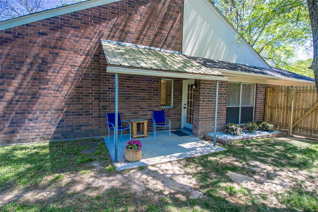 Pending | 3 Regency Court Conroe, Texas 77304 27