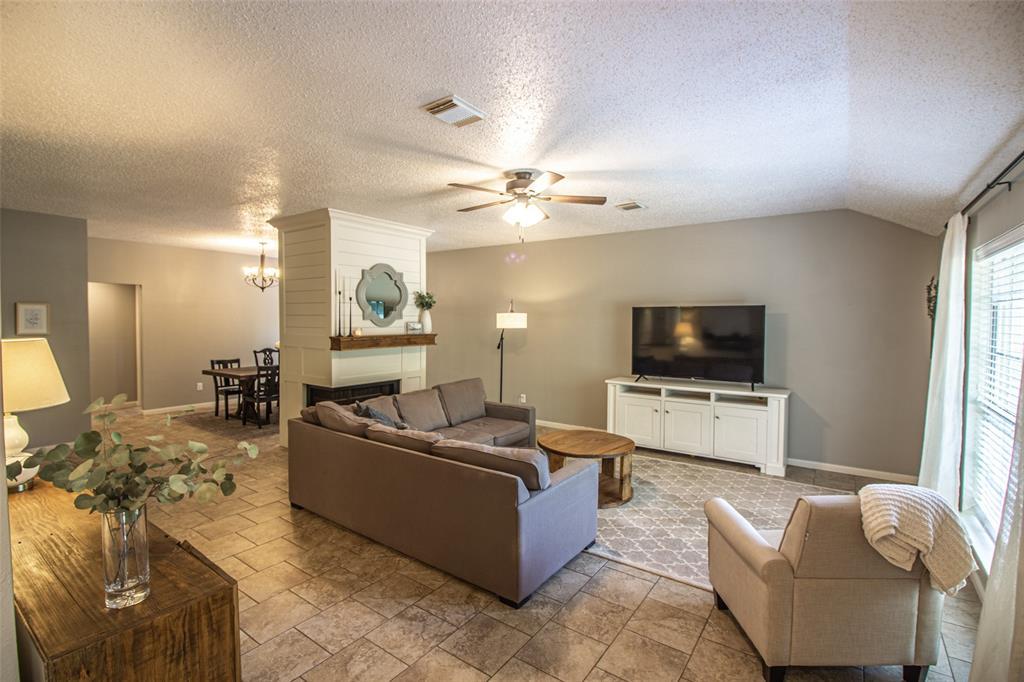 Pending | 3 Regency Court Conroe, Texas 77304 4