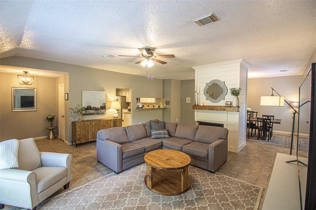 Pending | 3 Regency Court Conroe, Texas 77304 6