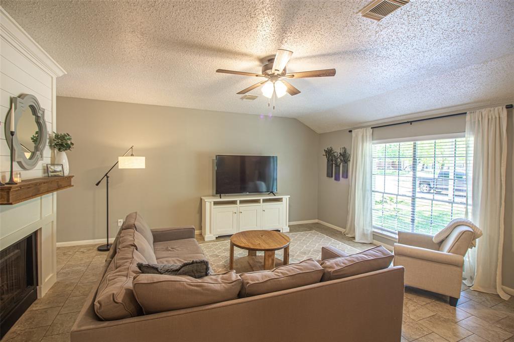 Pending | 3 Regency Court Conroe, Texas 77304 8
