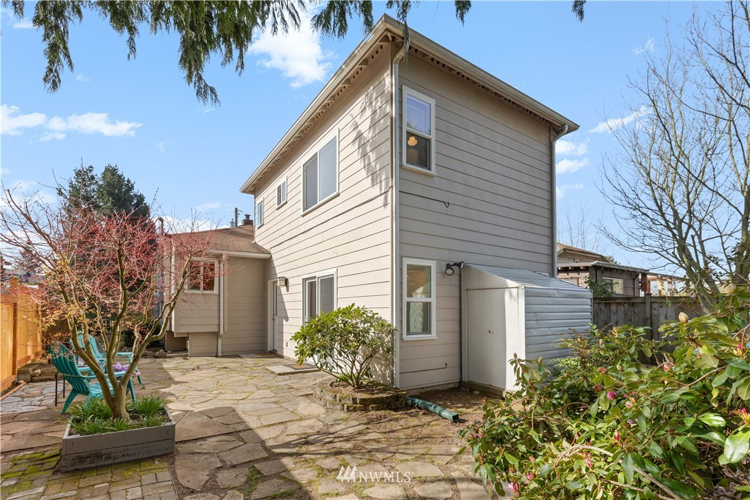 Pending | 422 NE 92nd Street Seattle, WA 98115 16