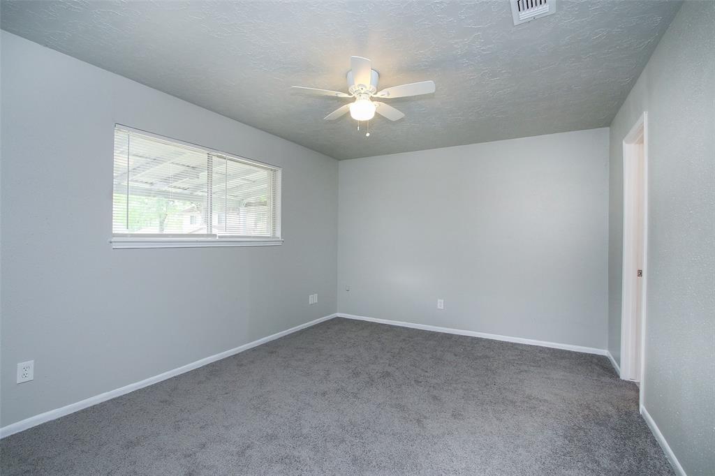 Option Pending | 203 Hartford Drive Conroe, Texas 77303 17