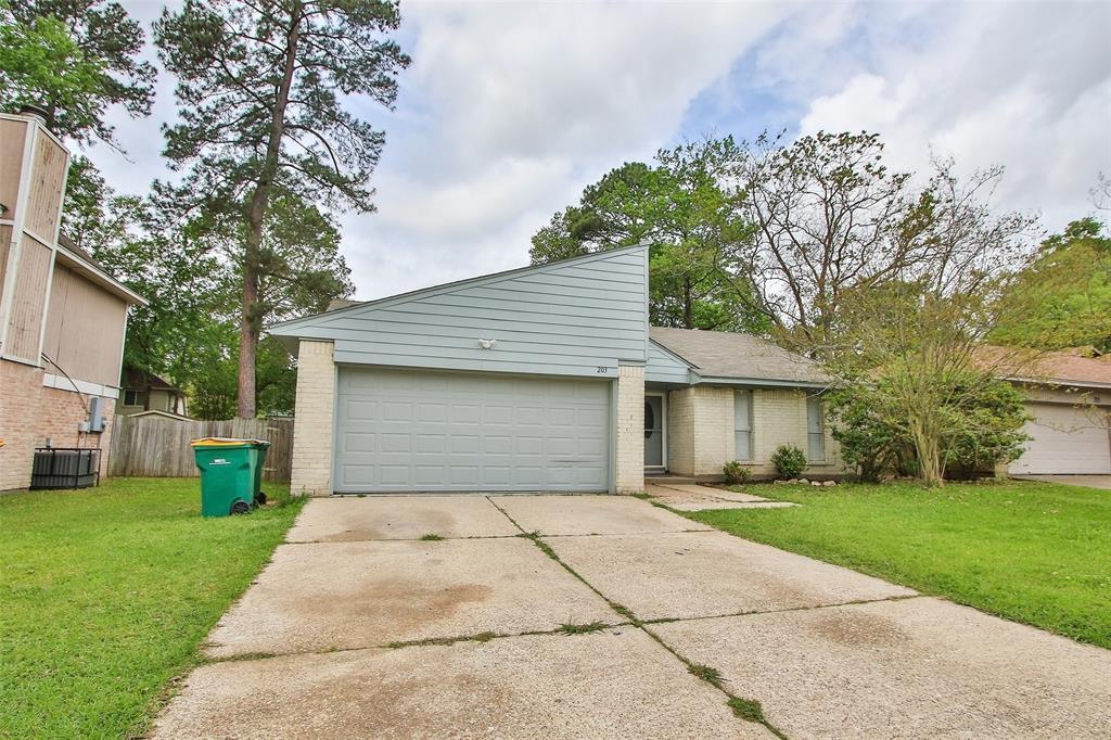 Option Pending | 203 Hartford Drive Conroe, Texas 77303 1