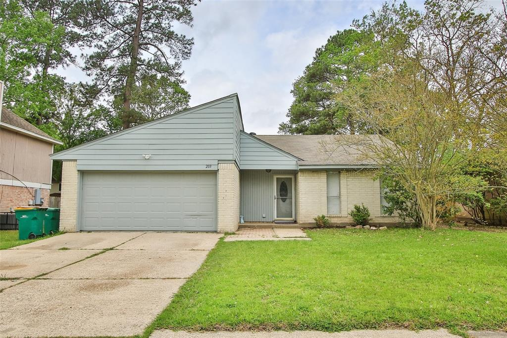Option Pending | 203 Hartford Drive Conroe, Texas 77303 4