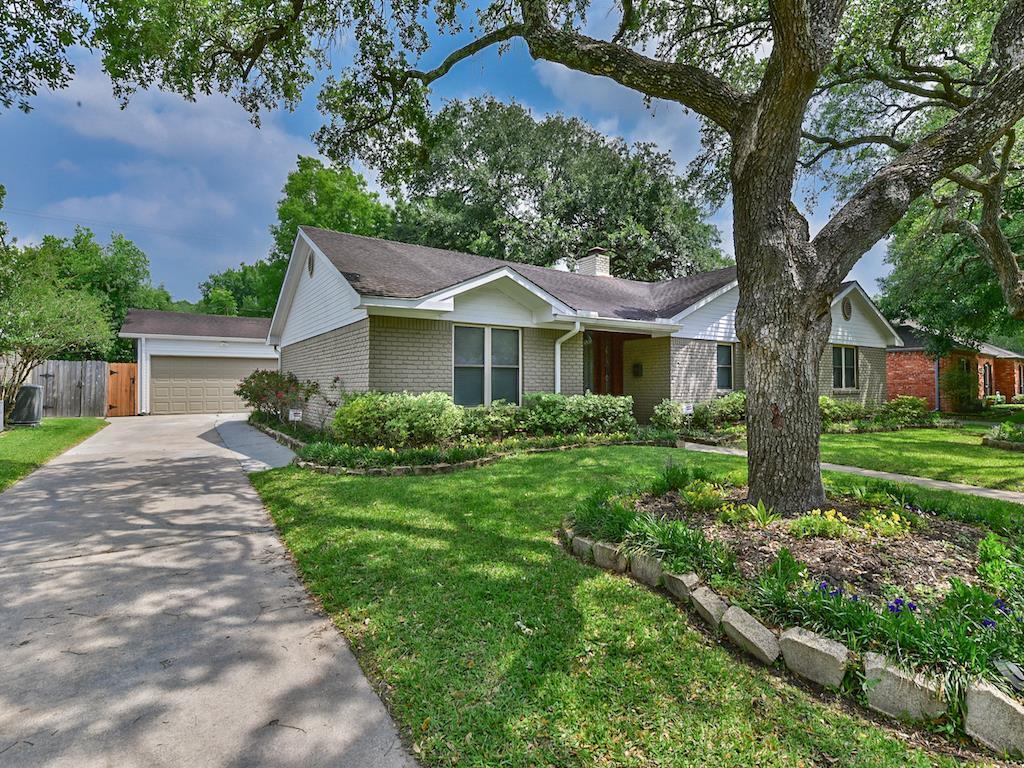 Active | 5238 Ariel Street Houston, Texas 77096 32