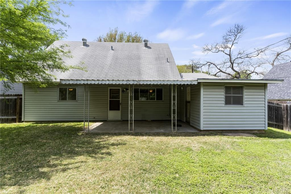 ActiveUnderContract | 2413 Little John Lane Austin, TX 78704 20