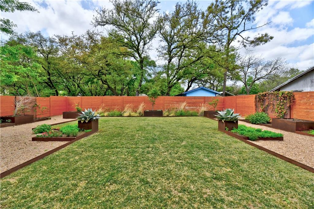 ActiveUnderContract | 4506 Russell Drive #B Austin, TX 78745 35