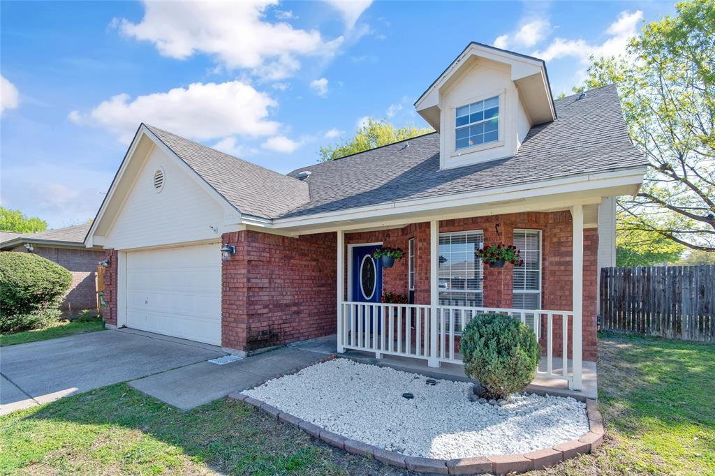 Active | 7754 Crestview Court Watauga, Texas 76148 1