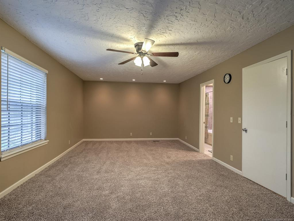Active | 9031 E 67th Place Tulsa, Oklahoma 74133 16