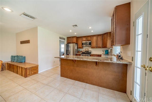 Active | 33092 Windsor Court Yucaipa, CA 92399 17