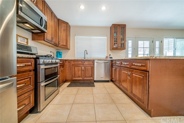 Active | 33092 Windsor Court Yucaipa, CA 92399 19