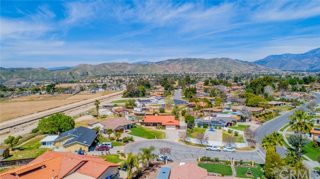 Active | 33092 Windsor Court Yucaipa, CA 92399 51