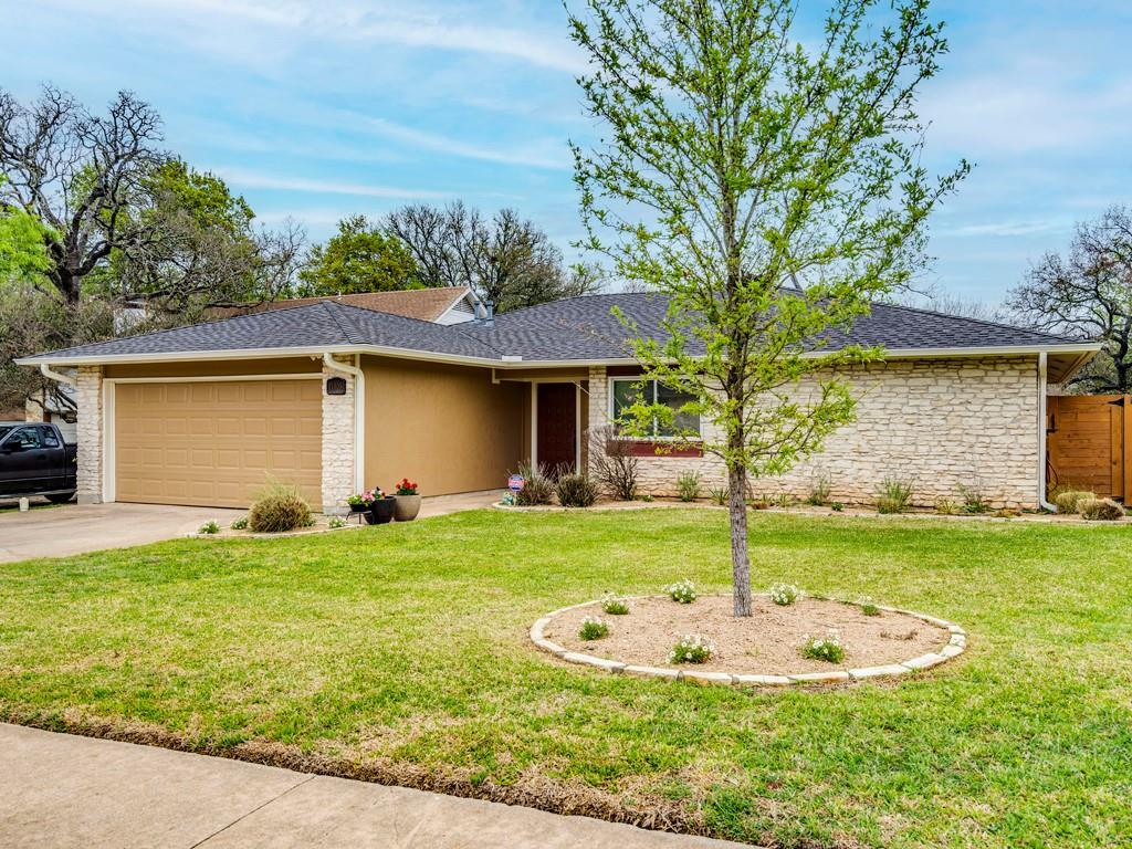 ActiveUnderContract | 11805 Hardwood Trail Austin, TX 78750 1
