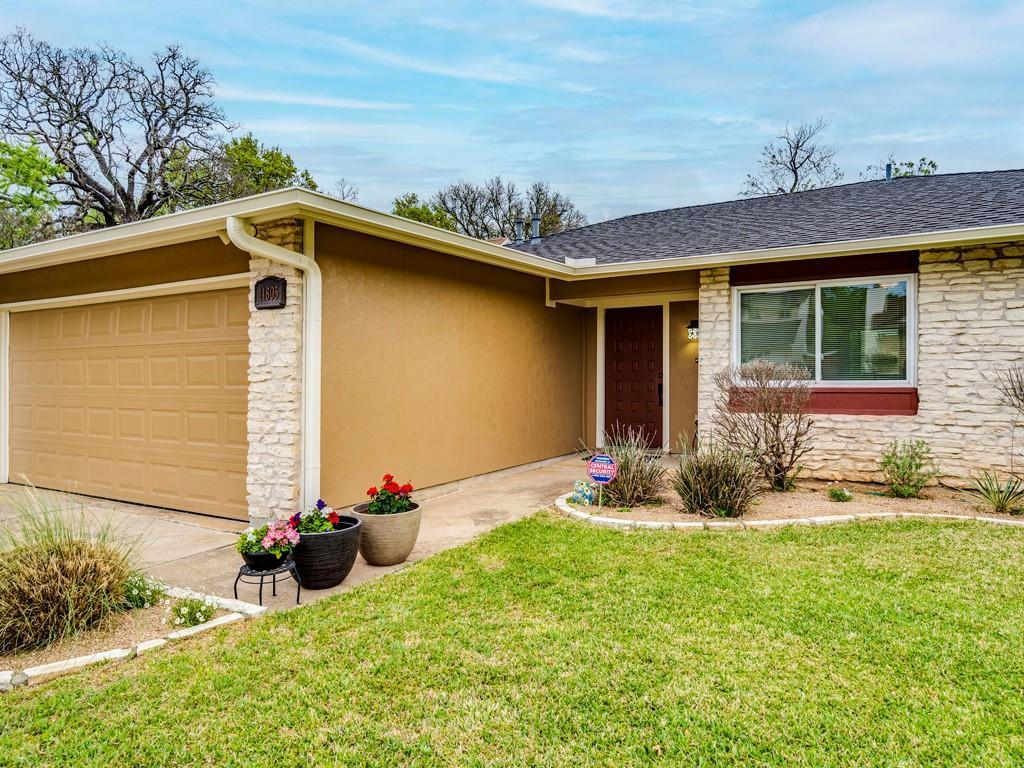 ActiveUnderContract | 11805 Hardwood Trail Austin, TX 78750 2