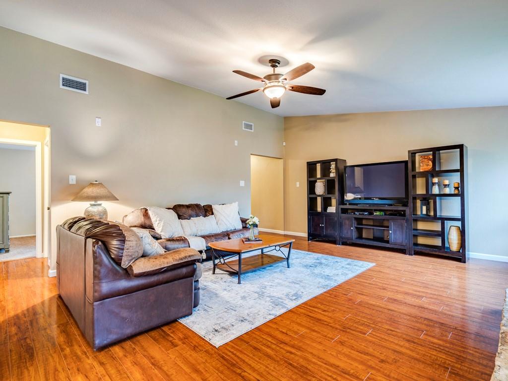 ActiveUnderContract | 11805 Hardwood Trail Austin, TX 78750 5