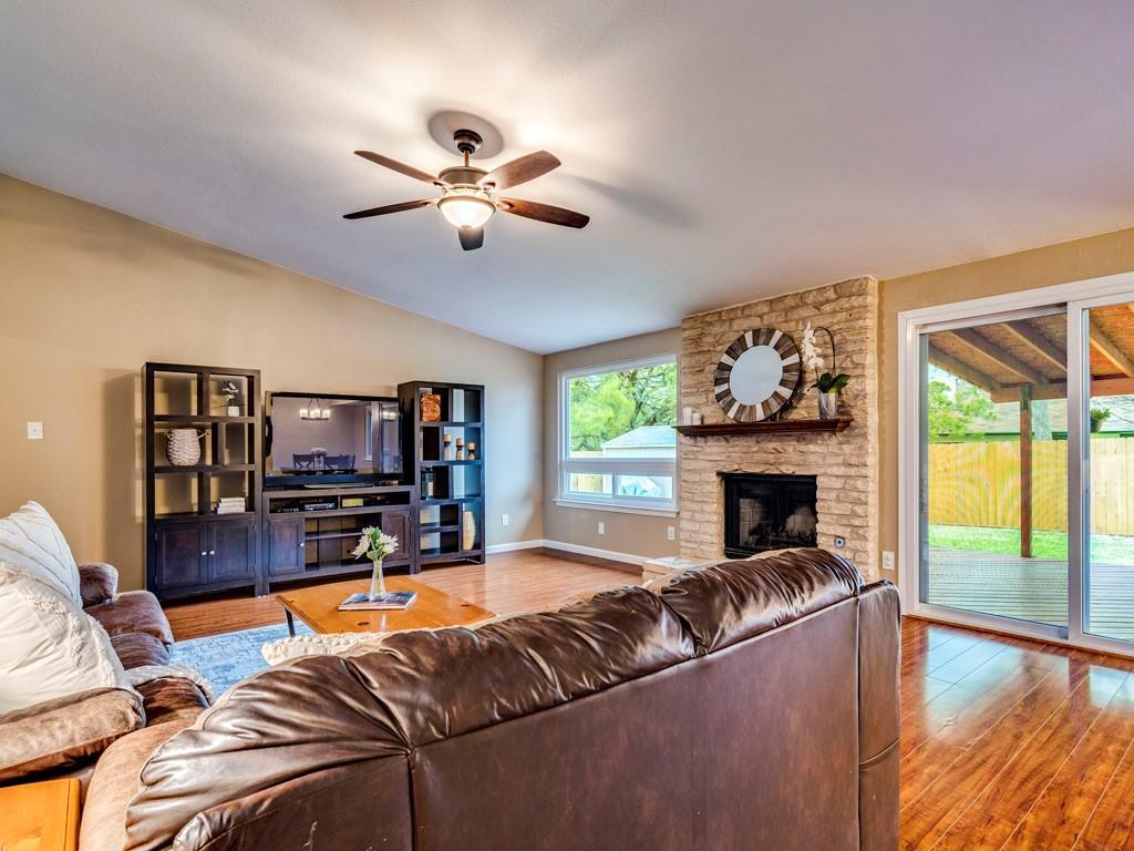 ActiveUnderContract | 11805 Hardwood Trail Austin, TX 78750 6