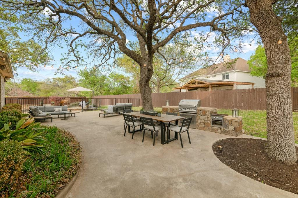 Active | 10601 Natick Lane Austin, TX 78739 26